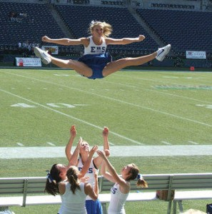 Eatonville cheerleaders in 2007