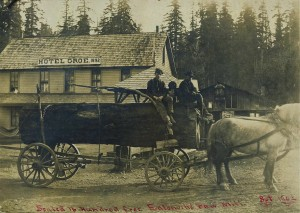 Eatonville logging in 1902