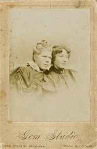 Anna Peterson & Laura (King) Josselyn