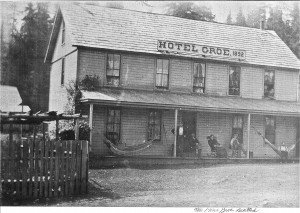 Groe Hotel —was located approximately where Center and Madison meet
