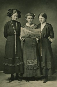 Hazel William with her sister Carolyn on the left and Susan Van Eaton on the right