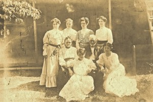 Hettie Duncan Williams (bottom right) with parents and sisters