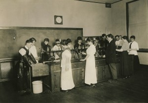 Eatonville's high school science class in 1915