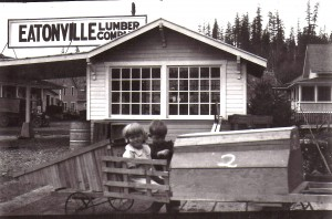 Kids outside the Eatonville Lumber Co. (ca. 1920s)