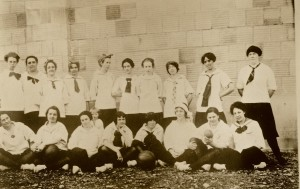 EHS grils basketball 1920s