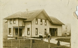 Torger Peterson's house - Ohop Valley (1916)