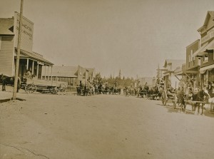 Mashell Ave ca 1900. Outside the store on the far left is where the shooting took place.