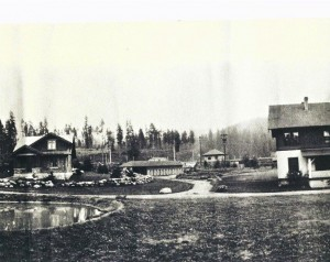 Homes and stables at La Grande (1912)