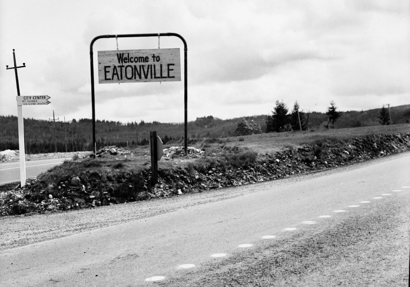 Welcome to Eatonville Sign